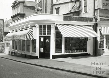 The White Hart Wine Vaults, 11, Old Bond Street, Bath June 1965
