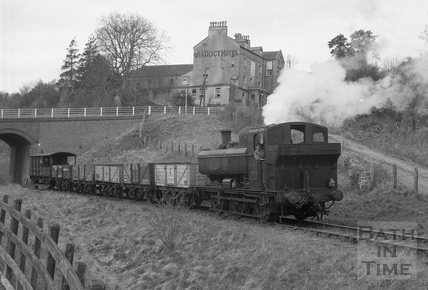 Track lifting at the Viaduct Hotel, Monkton Combe 1958
