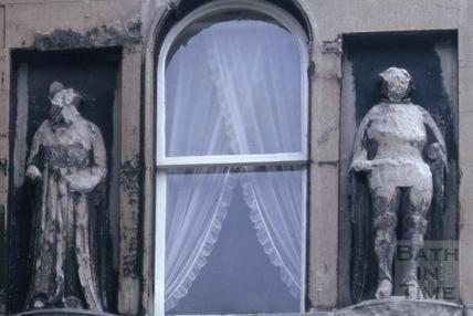 Statues beside first floor window, 8, Bath Street, Bath 1966