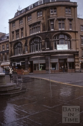Corner of Cheap Street and High Street, Bath 1975