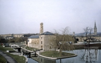 The Kennet and Avon Canal lock and road bridge, Widcombe, Bath 1987