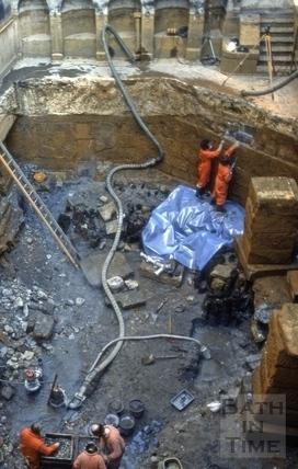 Excavations to Roman reservoir, King's Bath, Bath 1980