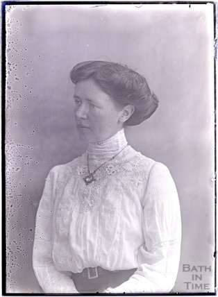 Suffragette Lillian Dove-Willcox, 1911