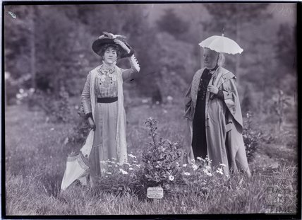 Suffragettes Edith Wheelwright and Lilias Ashworth Hallett 1911