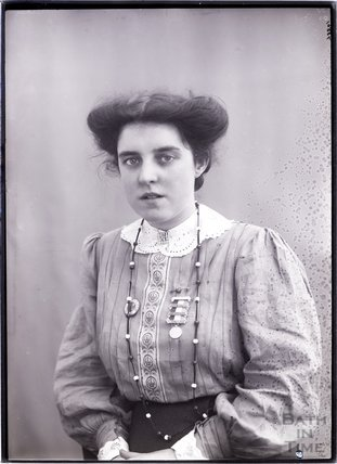 Suffragette Theresa Garnett 1909