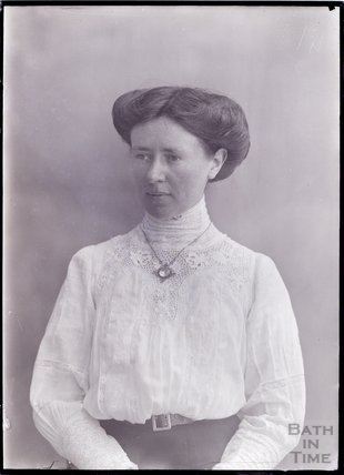 Suffragette Lillian Dove-Willcox 1911