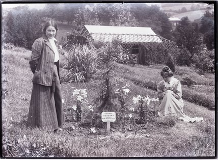 Suffragettes Adela Pankhurst and Annie Kenney 1910