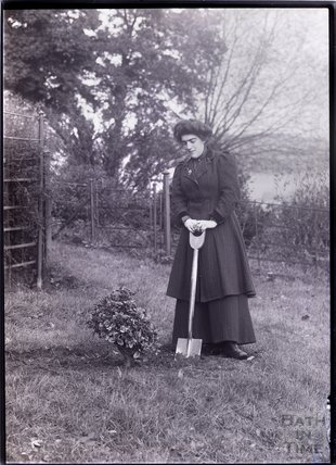 Suffragette Isabel Seymour 1910