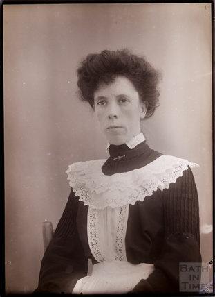 Parlour maid, Batheaston 1909