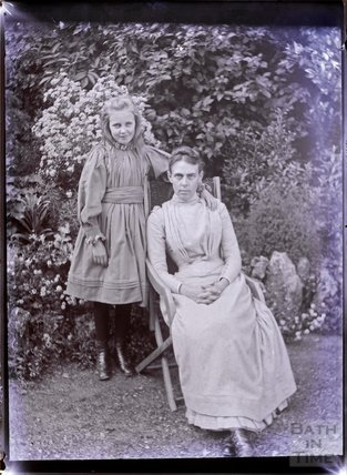 Portrait of an unidentified woman and a young girl c.1902