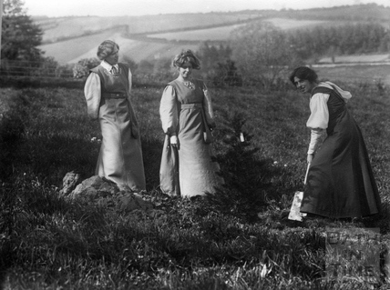 Suffragette Jessie Kenney planting tree with Vera Holme and Annie Kenney 1909