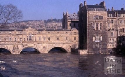 Pulteney Bridge floods Dec 1960