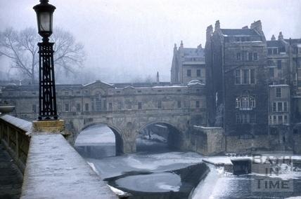 A frozen River Avon and Pulteney Bridge, Bath 1963