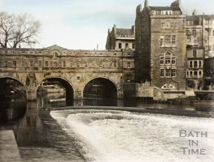The new weir on the River Avon and Pulteney Bridge, Bath 1972