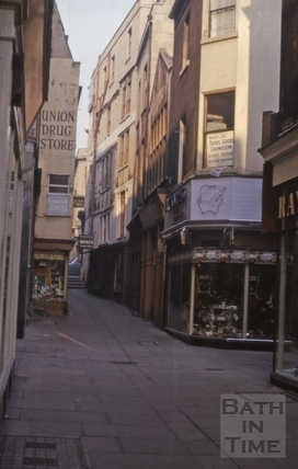 Union Passage, looking up from Northumberland Place 1964