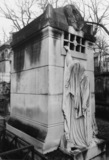 Raspail family Monument