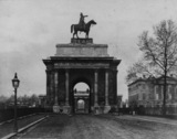 Constitution Hill Arch with equestrian statue of the Duke of Wellington