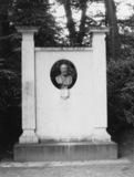 Monument to Jose Maria de Heredia