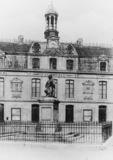 Statue of Nicolas Poussin