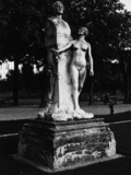 Monument to J. A. Houdon