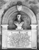 Arcispedale di Santa Maria Nuova;Chiostro della Ossa;Monument to Elisabetta di Antonino Ganucci