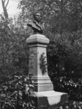 Monument to Maupassant