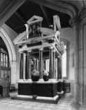 St James Church;Tomb of Sir Baptist Hicks, Lord Campden and his wife