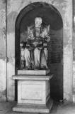 Arcispedale di Santa Maria Nuova;Chiostro della Ossa;Monument to Conte Galli Tassi