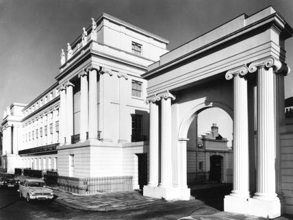 Arch, Cumberland Terrace