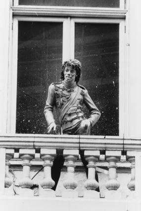 Rock Circus, London Pavilion;Statue of Michael Jackson