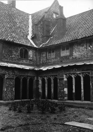 Great Hospital;Cloister