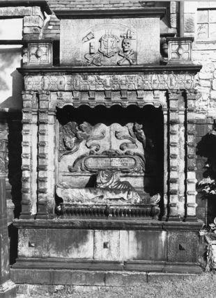 Tomb of John Naisruith of Posso