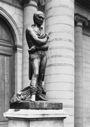 Statue of Xavier Bichat