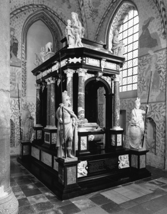 Roskilde Cathedral;Tomb of Frederic II and Queen Sofie