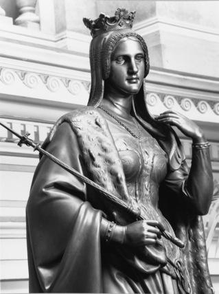Statue of Eliska Premsylovna