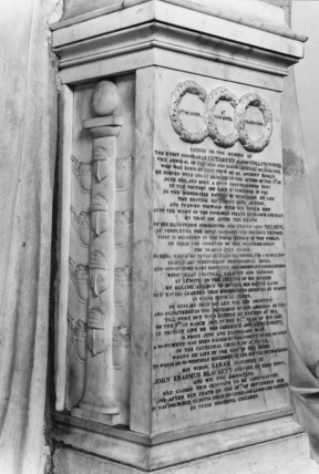 Cathedral of St Nicholas;Monument to Admiral Collingwood