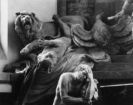 St Thomas;Tomb of the Marechal de Saxe
