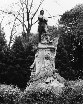 Monument to Captain Moll