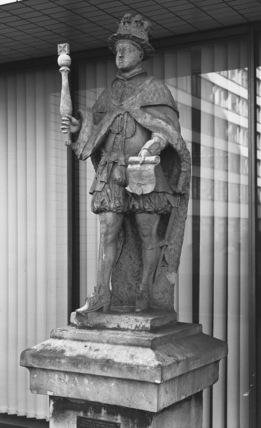 Statue of Edward VI