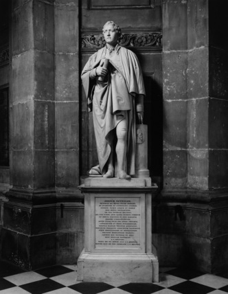 St Paul's Cathedral;Statue of Sir Joshua Reynolds
