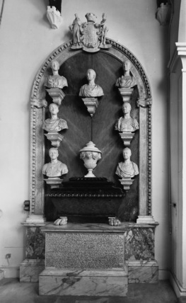 Saint Michael's Church;Monument to Robert, 3rd Earl of Lindsey and members of the Bertie family