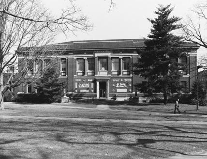 Harvard University, Robinson Hall