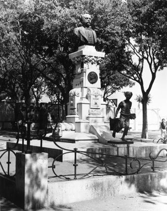 Monument to Edwardo Coehlo and Thomaz Quintino Antunes