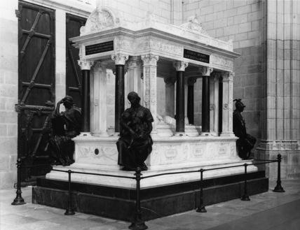 Nantes Cathedral;Tomb of Juchault de Lamoriciere