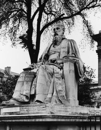 Statue of L'Hopital