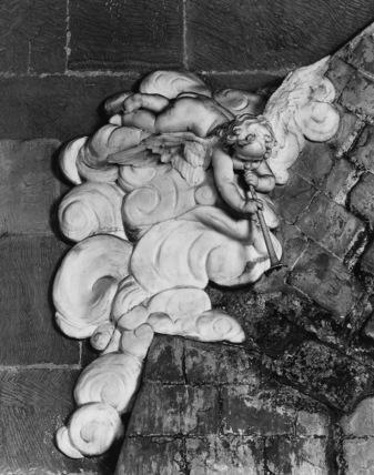 Monument to Mary Myddelton