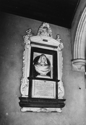 Saint Andrew's Church;Monument to Doctor William Harvey