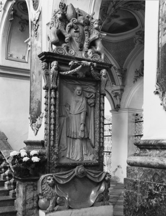 Cathedral of Saints Mary and Corbinian;Monument to Albrecht Sigismund von Wittelsbach