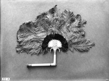 Tutankhamun's ostrich feather fan